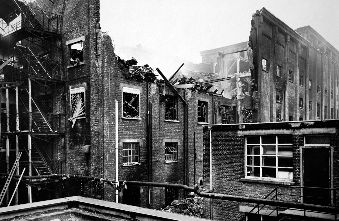 Het getroffen gebouw Gevaert - Mortsels Heemkundige Kring