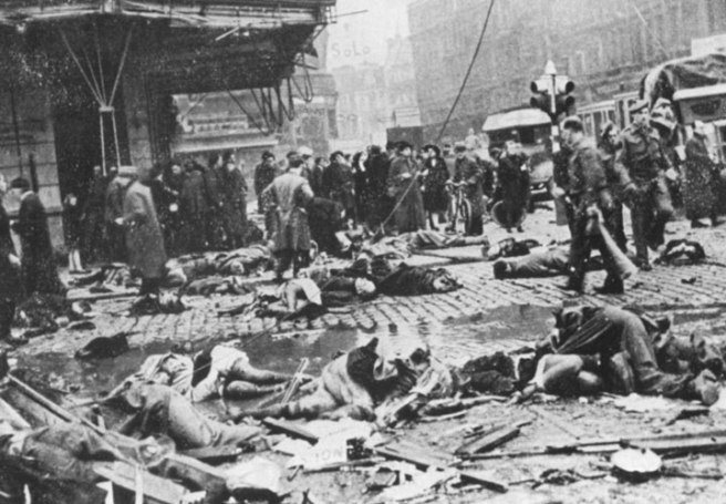 1944-11-27-Teniers-Plaats-Leichen-v-V2