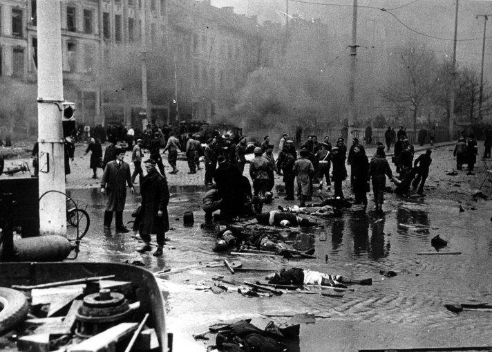 Teniersplaats 27 november 1944 (c) Cegesoma