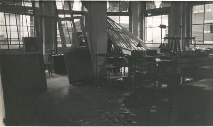 atea_bombardement_1944_2_fabriek