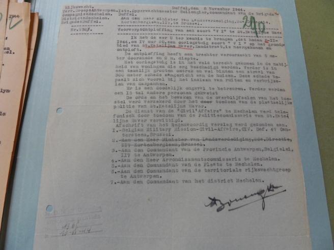 Het officiële, geheime verslag van de inslag (in het Militair Archief van Evere).