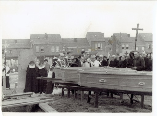 441201 begrafenis